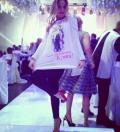 ქეთა თოფურიას ქორწილში მეგობრები მაისურებით მივიდნენ,რომელზეც ქეთას ბავშობის სურათი იყო გამოსახული