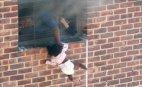 დედამ ცეცხლმოკიდებულ სახლიდან შვილი ასე გადარჩინა!