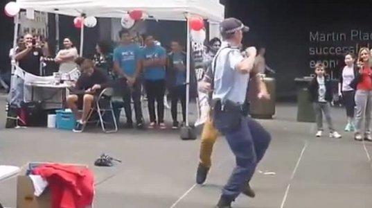 GINDAT ASETI POLICIA?